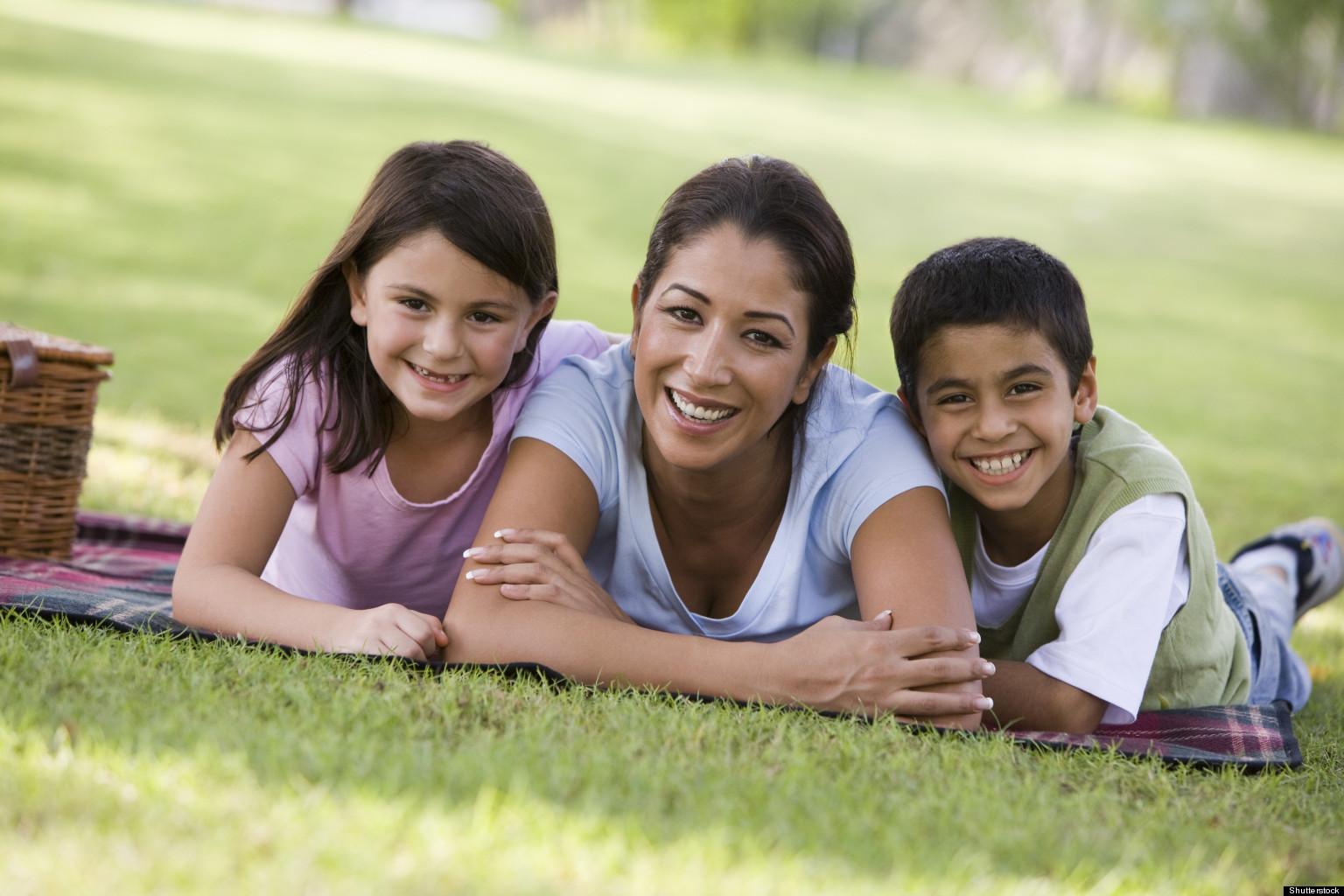 Mama Soltera con dos hijos relación en familia