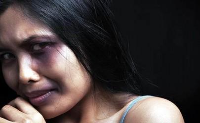 Mujer en una vida de abuso